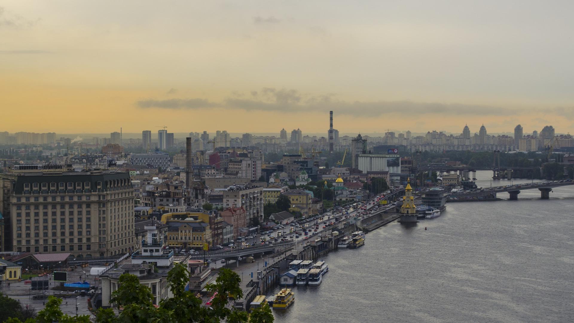 Urban Experts&Leslie Jones Architecture создают архитектурную концепцию жилого микрорайона в 20 га в центральной части Киева